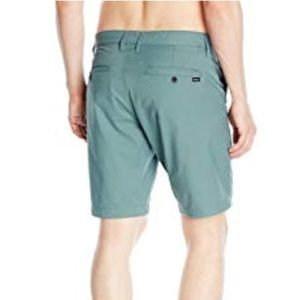 NWT - RVCA Men's Weekend Hybrid II Short - Size 34